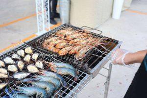 ซีฟู้ดบุฟเฟ่ต์ งานเลี้ยง บุฟเฟ่ต์ อาหารทะเล จัดเลี้ยงพระ